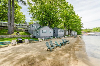 Proctors Lakehouse Cottages on Lake Winnipesaukee